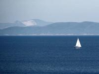 Monti che si affacciano sul mare